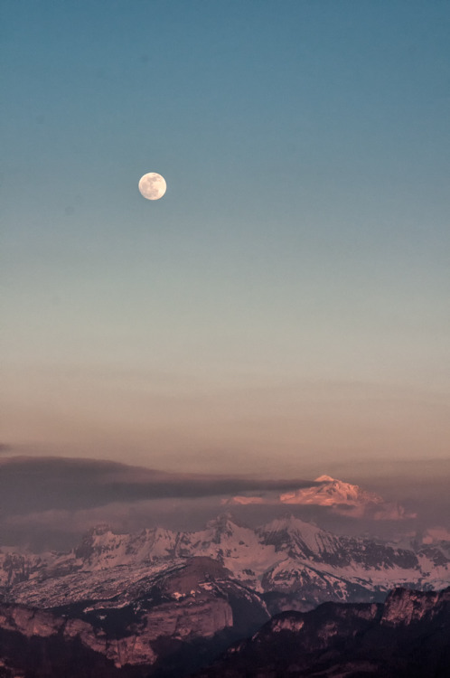 idealmente:  Moonrise over Mt-Blanc: by Philippe Rousseau