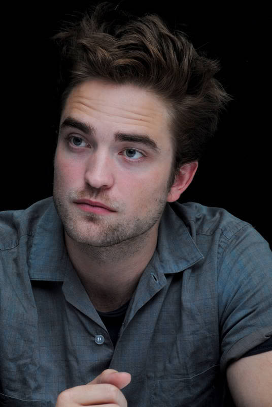 luckymecandy:   tinkrbe1l3:  #365DoR ~ April 29: Pic of Rob with a wrinkled, pensive brow I love Rob's pensive faces. He's like living art.  Beautiful