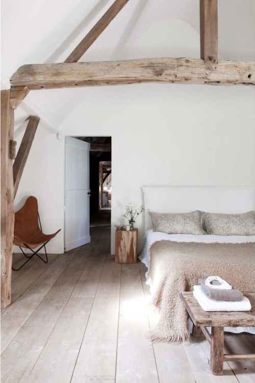 rustic woodbeams (via ♥ HOME / ♥)