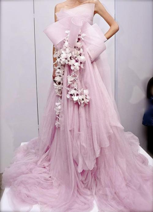 queenbee1924:  cyndylou3:  (via TumbleOn)  Marchesa