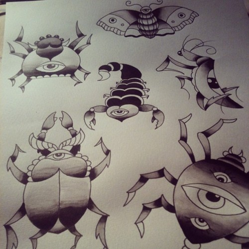Who the fuck is into bugs #tattoo #tattooflash #tattooapprentice #wip #watercolor #ruisoares #ruimessoares #bloodoath #bloodoathtattoo #moth #spider #scorpion #mantis #beetle #pickyours #30euros