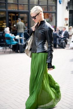 paris2london:  (via http://www.vogue.co.uk/spy/street-chic/2013/may/gallery/971192)