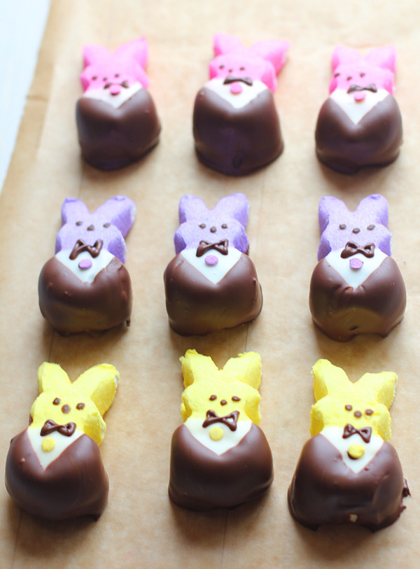 buzzfeed:  Dress up your peeps in their Easter best.  Get in ma mouth, bunnies!