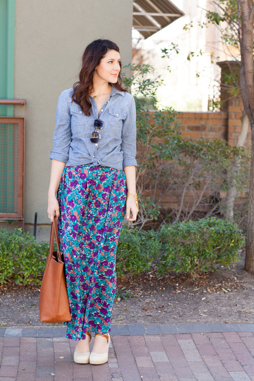 modcloth:  Kendi of Kendi Everyday in a pretty floral skirt.
