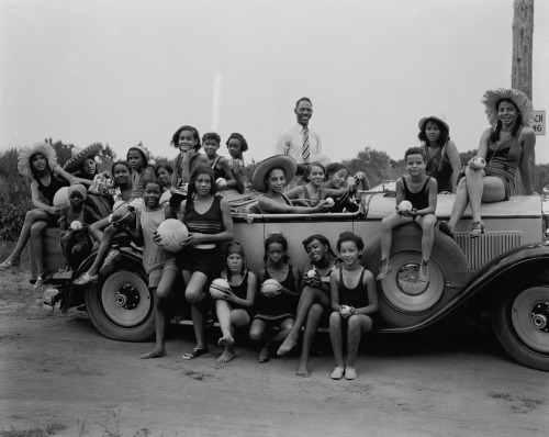 YWCA Camp for Girls (1930) by Addison Scurlock. Image courtesy of the American History Museum, Smithsonian Institute
