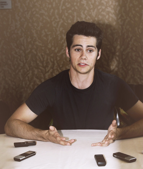 Can You Not? Dylan O'Brien Edition (✿)