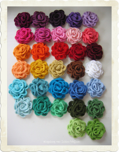 ingeborgvanzuiden:  crochet roses on Flickr.
