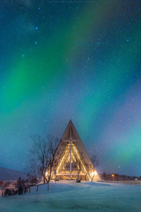 "evocativesynthesis:  ""Arctic cathedral"" by Coolbiere. A."
