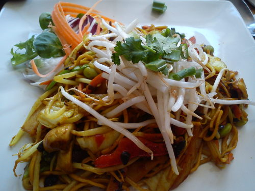 yellow bean mixed vegetables with egg-free noodles