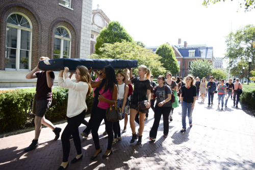 booksandbooksssandsequins:  kiss-distinctly-american:  ackb:  (via Students help Emma Sulkowicz carry mattress to class in first collective carry) I did not expect to be moved by a positive turn of events in this story.