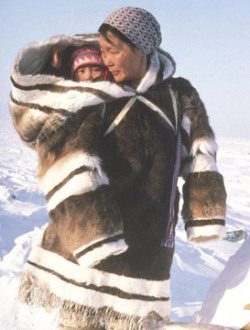 Mother and baby wearing an amautik.