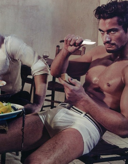 lovingmalemodels:  David Gandy