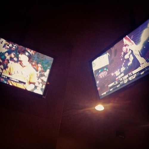 Giants and Warriors game earlier at Buffalo Wild Wings