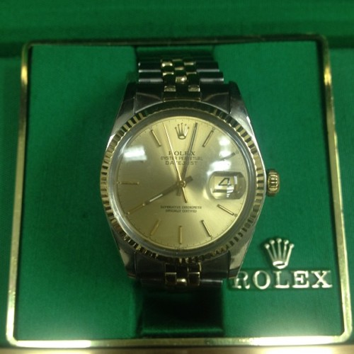 Ooooolllld lol #rolex  #datejust Box and papers, two tone #gold jubilee band #vintage #watches #watchtalk #wristwear #armcandy #luxury #fly FOR SALE