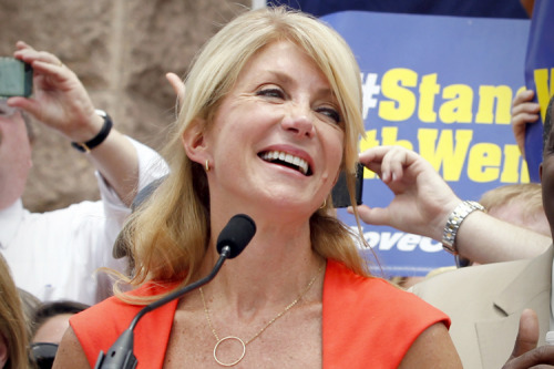 I had a wonderful college experience and wouldn't trade my time at my university for the world, but I do wish I was still in college sometimes because I know if I was right now, I would have written so many papers on how inspiring and courageous Wendy Davis is. One voice can do a lot to lift up many who wouldn't have spoken otherwise and hers is hands down my favorite of 2013.