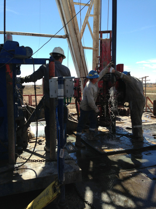 texas-tumbleweed:  Drilling.