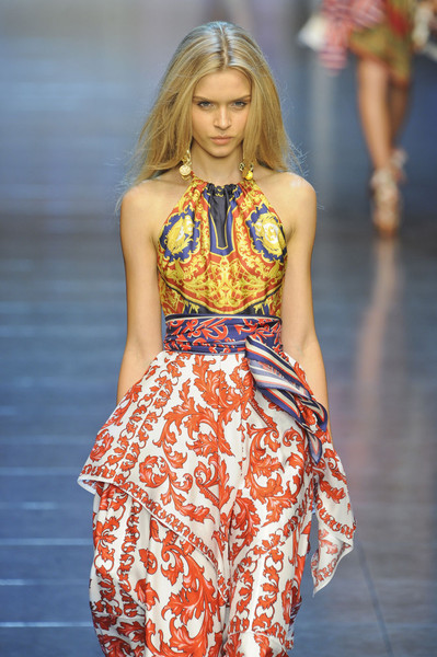 floraspice:  Josephine Skriver at D&G Spring/Summer 2012 | Milan Fashion Week