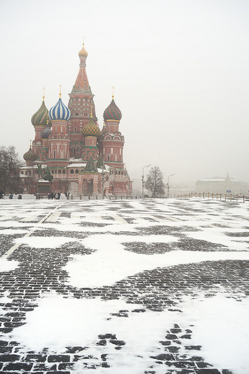 travelthisworld:  Winter is back to Moscow - Moscow, Russia  | by Boris SV
