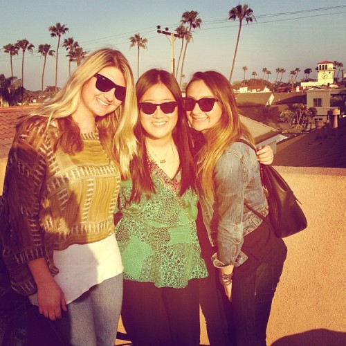 home @marencherie @fayeduenes  (at Seal Beach)