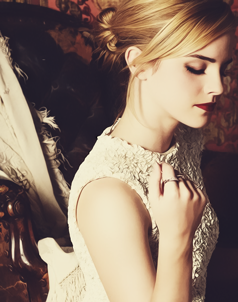 erikazifcsakova:  Emma Watson on We Heart It - http://weheartit.com/entry/51281102/via/erika_zifcsakova
