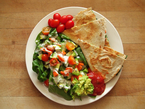 healthyequalshappy:  Oh my goodness, I love quesadillas… all mexican food really.. basically anything I can put guacamole on haha
