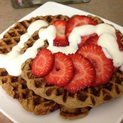 blogilates:  Breakfast is served! Protein waffles! For 2, here's the recipe: 1 ripe banana, 2-3 tbs of almond milk, 1 tbs flax seed, 2 scoops protein powder, and 1 whole egg! I topped it with fresh strawberries and honey Greek yogurt drizzle! So yum! Would you like a bite?