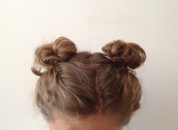 oaktreegirl:  i wanna do my hair like this for school one day but i feel like people would think it is weird  :(