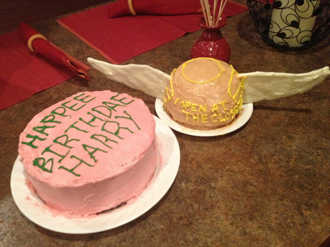 fornothingisevilinthebeginning:  Harry Potter's 11th and 17th birthday cakes :)