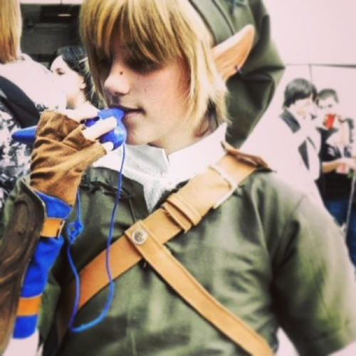 Ocarina❤ (לא אוקראינה ביצ׳ס) #legendofzelda #zelda #link #cosplay #costume #elf #ears #blue #brown #thelegendofzelda #twilightprincess #ocarina #hat #green #wig #justbefriend #sew