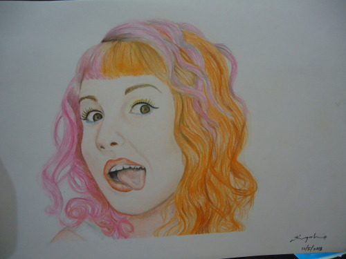 finish product of Hayley Williams from Paramore. media used; colour pencil