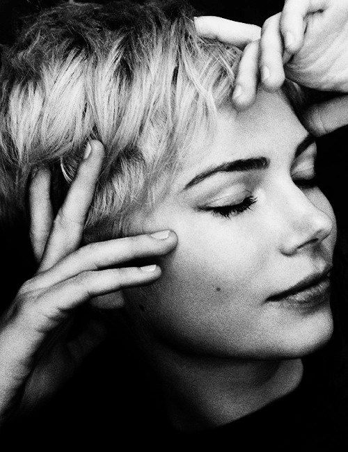 gunstreet:  Michelle Williams photographed by Mark Segal
