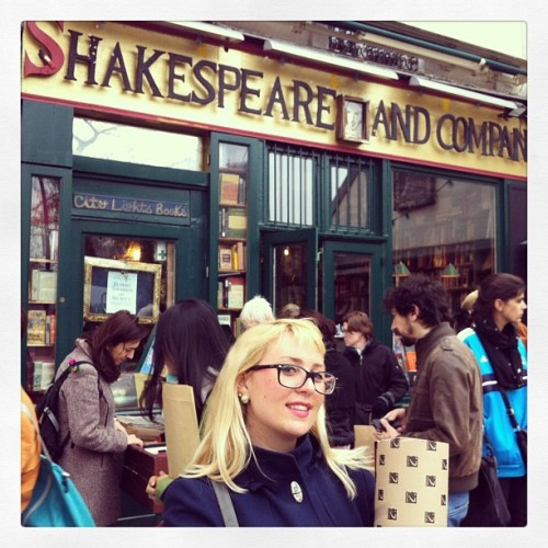 Waiting before sunset  (presso Shakespeare & Company)