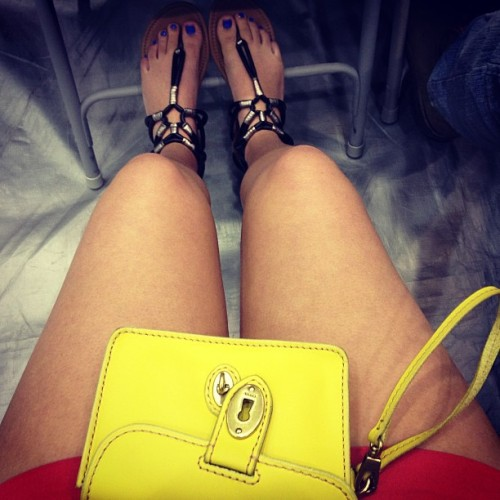#ootd #shorts #fossil #clutch #style #toes #sandals #nopantsfriday