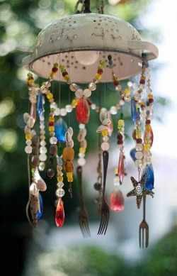 crazycrafters:  recycled wind chime DIY