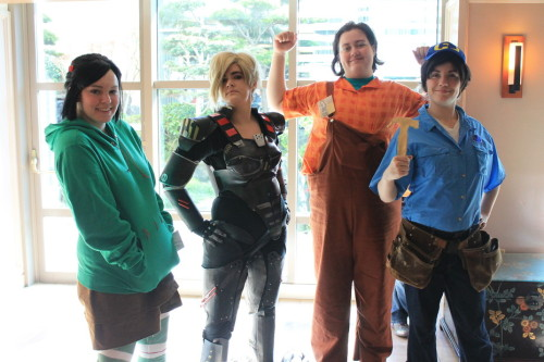 Lots of Wreck it Ralph cosplays today!