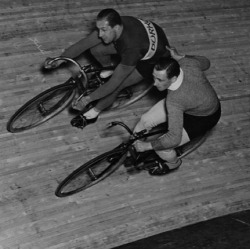 Helping hand on the velodrome…