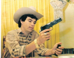 never-for-get-who-you-are:  Chalino Sanchez