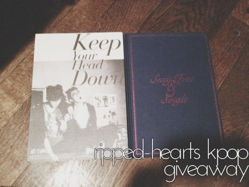 "ripped-hearts:  this is a giveaway to you wonderful kpop fans Details are below! PRIZES • TVXQ ""Keep Your Head Down"" album + includes a Changmin photocard! • Super junior ""Sexy Free and Single"" album Rules and other details •Reblog as many times as you want. Likes are counted(((just don't spam your followers))) •You don't have to follow me but that would be appreciated! •I'm shipping internationally, so every kpop fan in the world will have a chance to win! •I'll be using a random generator to pick the winner •Have your inbox enabled to announce that you're the winner. • If you don't reply in 24 hours, I'll choose another winner. NO GIVEAWAY BLOGS. I will be checking. •If there's any questions, just message me. giveaway will end on june 5th, 2013. GOOD LUCK EVERYONE!  *O* muero por el ""Keep Your Head Down""!"