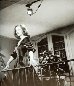 theniftyfifties:  Bette Davis filming 'All About Eve', 1950.