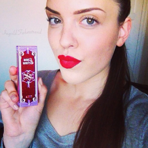 Got my velvetine today from Lime Crime in the color red velvet. I love it already! So beautiful and velvety. <3