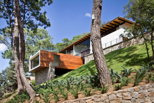 Residential Architecture: The Forest House by Espacio EMA..(via * Residential Architecture: The Forest House by Espacio EMA)