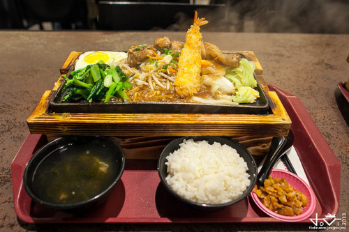 taiwanesefood:  Taipei Trek: Japanese Food by jovijovijovi on Flickr.