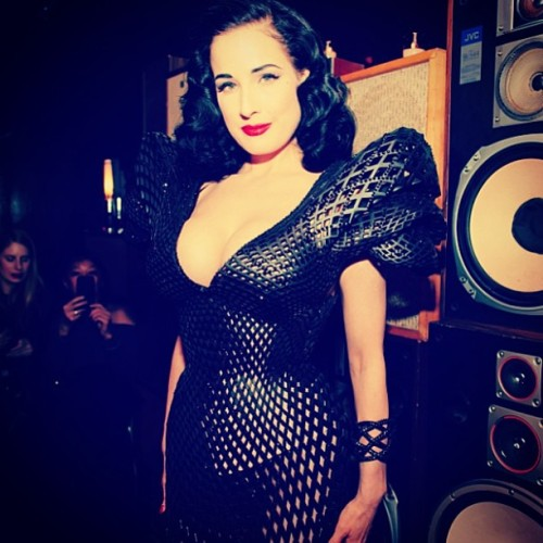 The future of #fashion is here in 3D > @ditavonteese in a stunning 3D-printed dress by @shapeways! (at Ace Hotel Lobby & Bar)