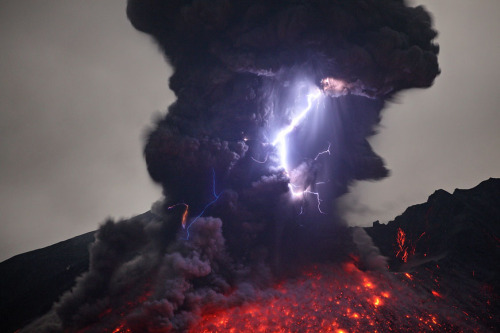 Volcanic Lightning     Image by Martin Rietze      It is thought that friction between particles and gases cause potential differences that create the lightning displays. [**]