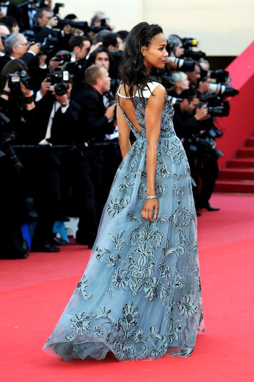 unefox:  Zoe Saldana in Valentino at Cannes.