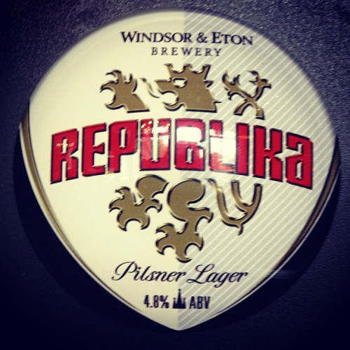 brewstagram:  Windsor and Eton Republika by ebatchelor87 http://instagram.com/p/ZnXFmbCaPP/
