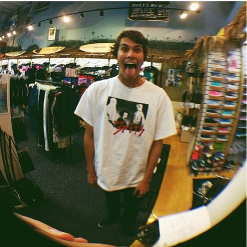 Michael is back! @mikehanley_ 🐟#whalebonevb #fisheye #whalebonesurfshop #shoplife