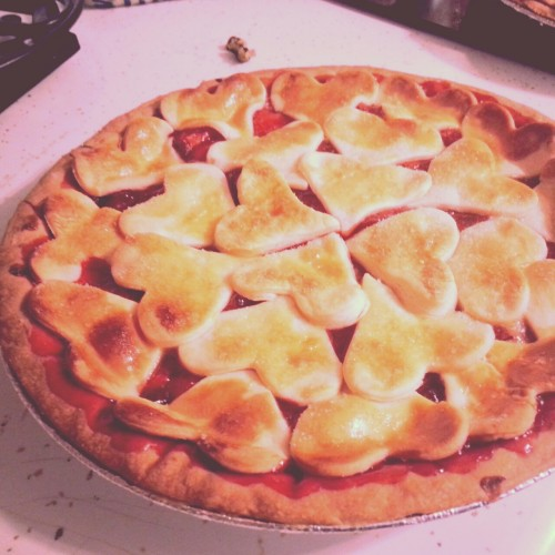 snoitomeeurtdeeni:  I made a pretty pie today.