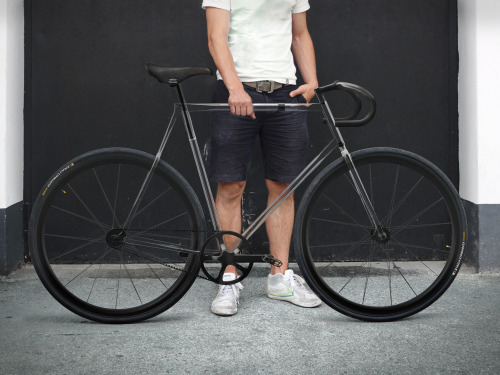 the clarity bike by designaffairs studio ..takes advantage of an advanced polymer which combines high impact resistance, lightweight properties and a gentle flexibility that usually would only be expected on an old Italian steel frame. By using Trivex – an alternative to polycarbonate – the frame also offers outstanding chemical resistance and thermal stability as it is virtually unaffected by most organic and inorganic chemicals and withstands very hot and cold temperatures. via fggt.