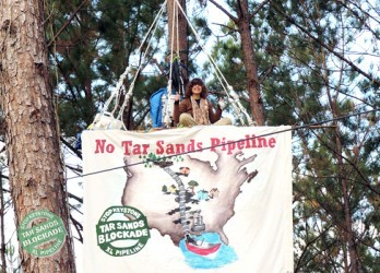 ecowatchorg:  Tar Sands Blockade Action and Training Camp Jan. 3 – 8